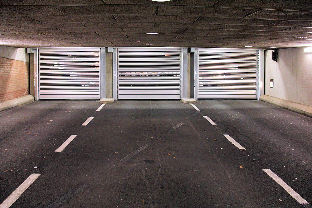 Ворота EFA-SST-PS на підземному паркінгу